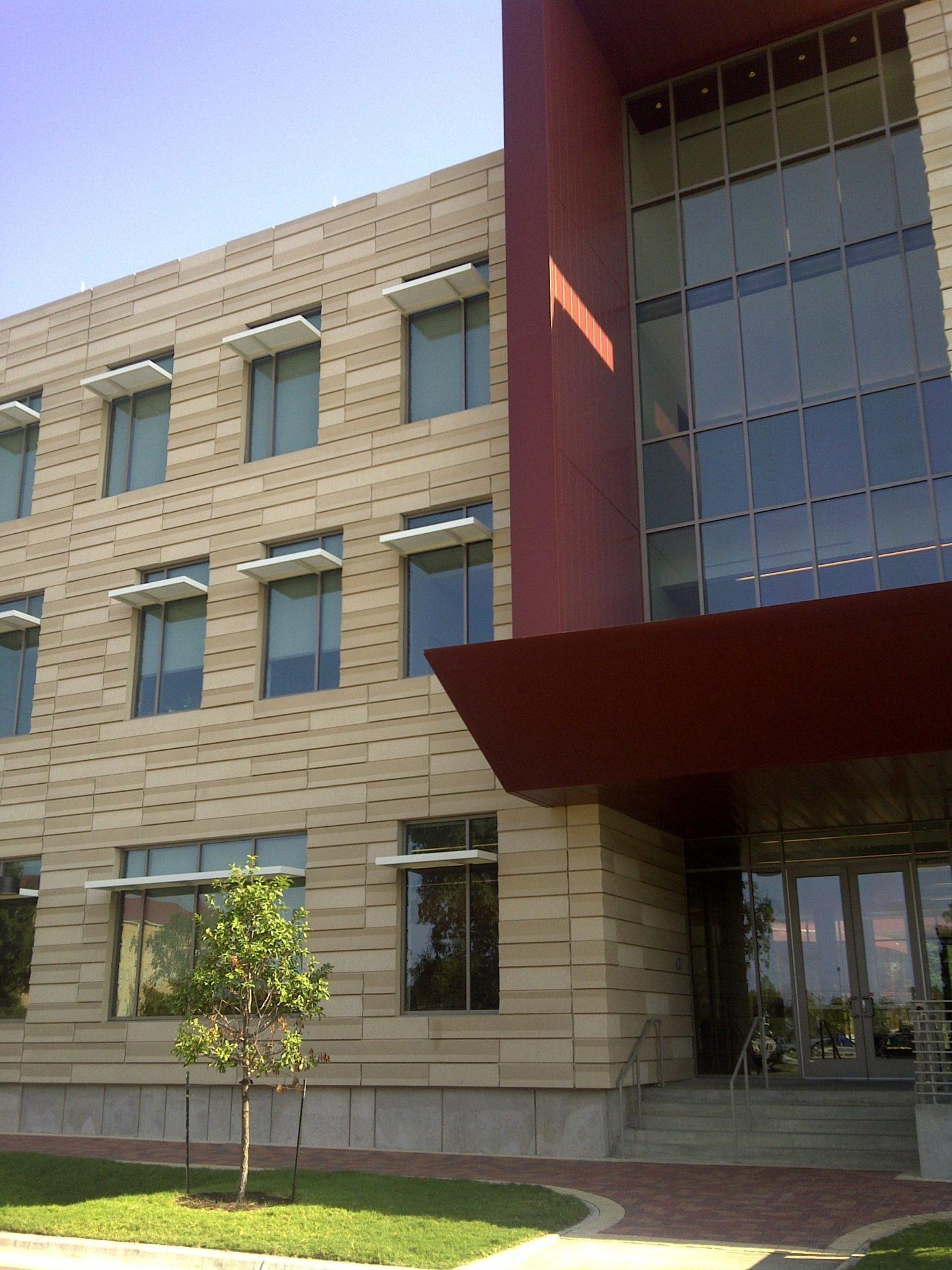 St.Edwards Univ. - 10e